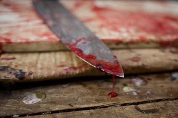 «А он все бил его ножом и бил …»: Известного певеца задержали по подозрению в убийстве его друга. Даже следователи были в шоке от того, что увидели