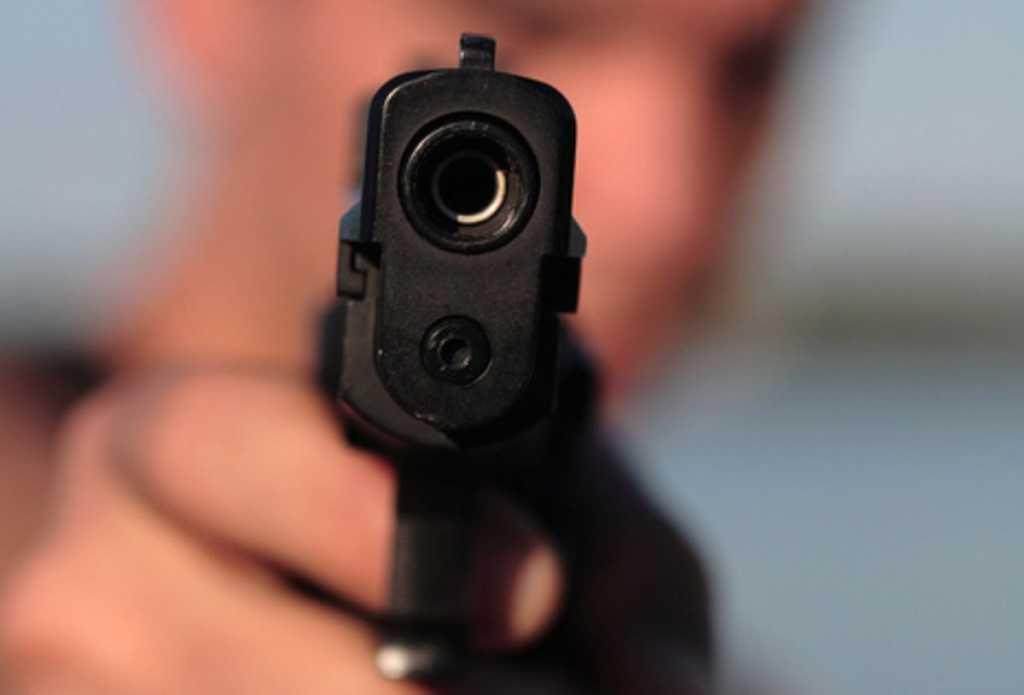 Страшно ходить по улицам! Мужчина расстрелял прохожего в белый день