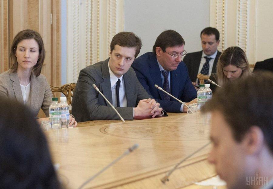 Сын Порошенко победил в престижном международном конкурсе, который был организован на деньги… Только не падайте!