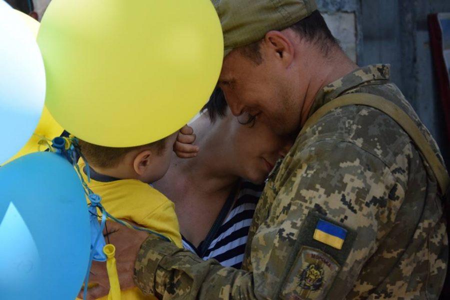 «Правосеки» любят младенцев. Боец АТО стал одинадцятиразовим отцом (фото)