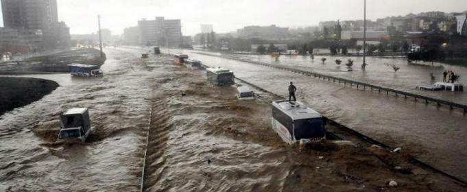 СРОЧНО !!! Ужасные наводнения унесли жизни 91 человека, бесчисленное количество пострадавших