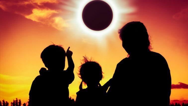 «В этот день не стоит бояться своих…» Солнечное затмение 21 августа, вся правда!