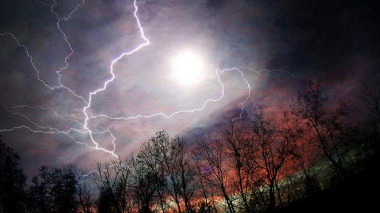 СРОЧНО! Синоптики предупредили украинцев об надвижение двух стихий одновременно. Узнайте, какие области в наибольшей опасности