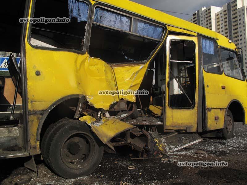 В Луцке произошло жуткое ДТП с участием маршрутки, много пострадавших
