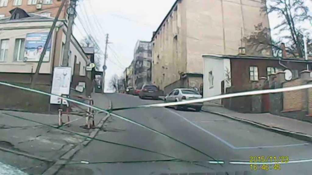«Вот так нагулялись на дискотеке»: На Киевщине пьяный водитель сбил трех девушек. Детали поражают!