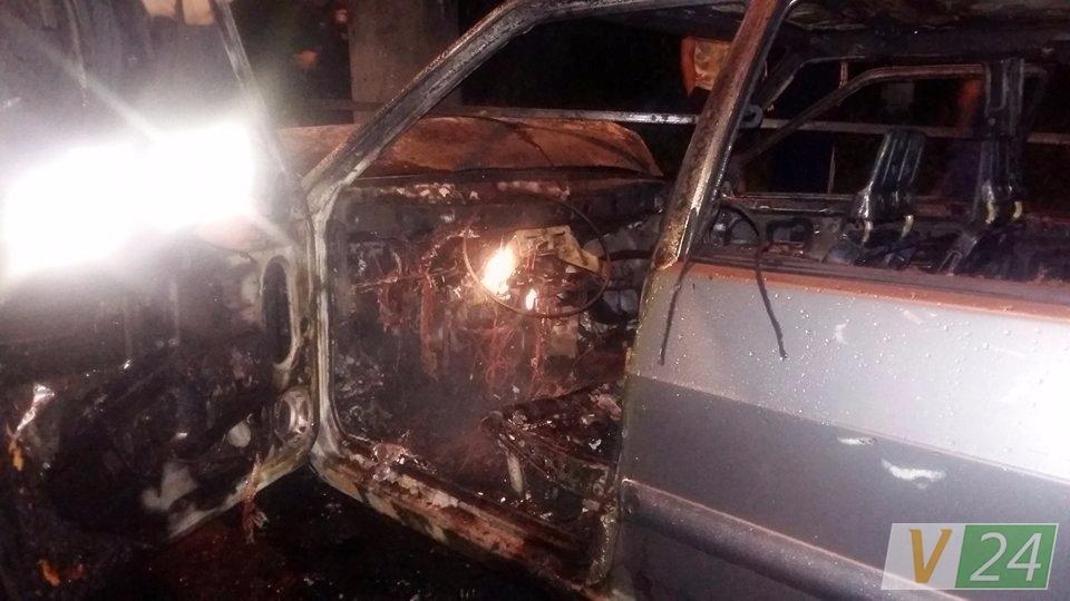 Что там только было!!! Скандальному СБУшнику сожгли авто, то, что нашли в салоне всех шокировало
