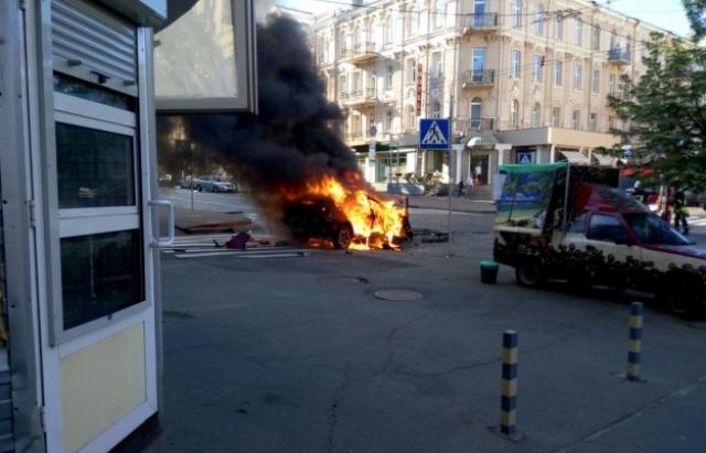 СРОЧНО!!! В Одесской области взорвалось авто с семьей известного полицейского, подробности поражают