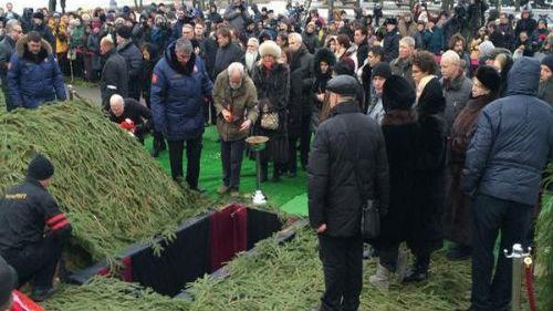 «Без последней исповеди и закопать как скот …»: На Львовщине священник отказался даром прятать умершего и не пустил в церковь похоронную процессию