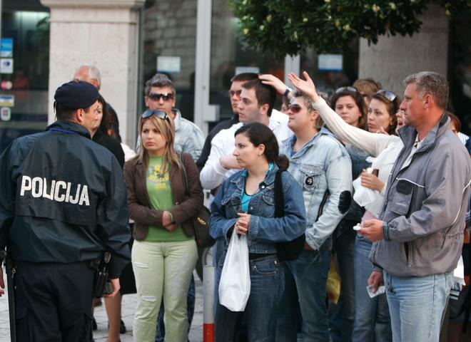 «А как же пьяные вопли?»: Российских туристов массово отправляют из Турции домой. Причины вас точно шокируют