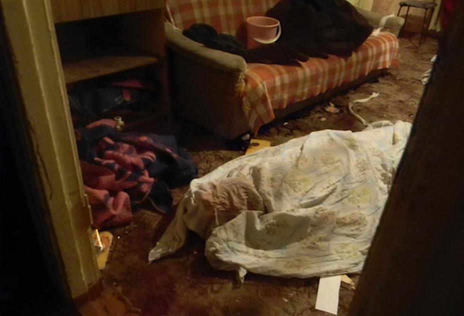 ШОК!!! В Мариуполе мужчина зверски убил маму и сестру и неделю сидел с трупами в закрытой квартире
