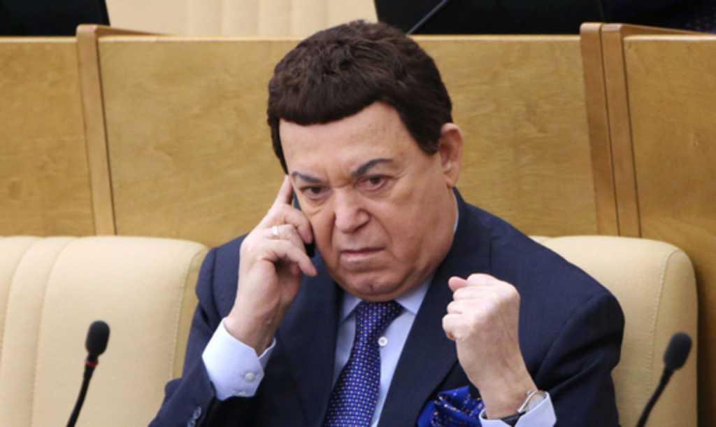 «Забор к забору»: Кобзон открыл тайну где находится Янукович и рассказал, как это быть его соседом