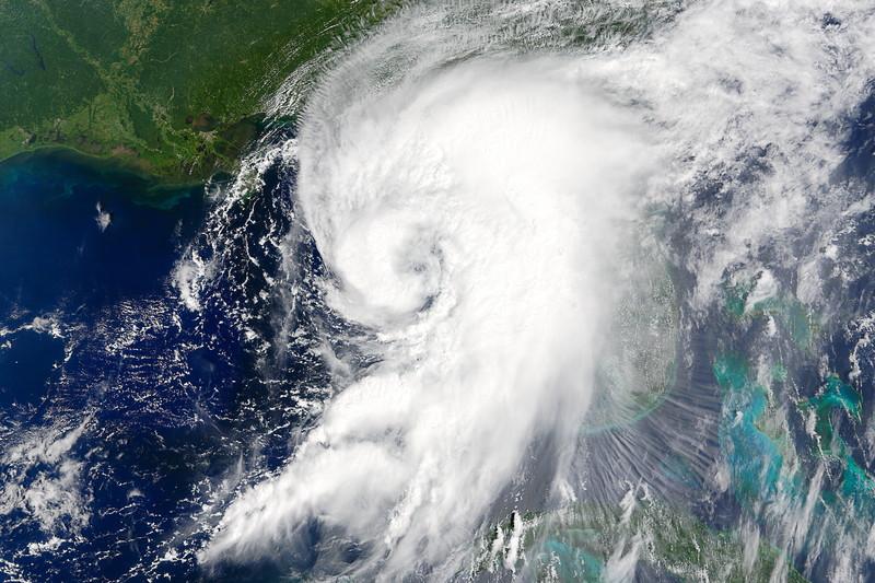 СРОЧНО!!! Приближается самый страшный в мире ураган со скоростью 201 км / час. Спасайтесь, люди