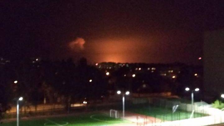 Что же там происходит? В Киеве раздаются взрывы, люди в панике