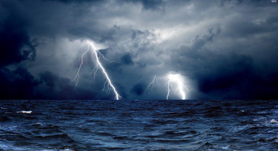 СРОЧНО!!! В Крыму объявлено серьезное штормовое предупреждение. На полуостров надвигается что-то страшное