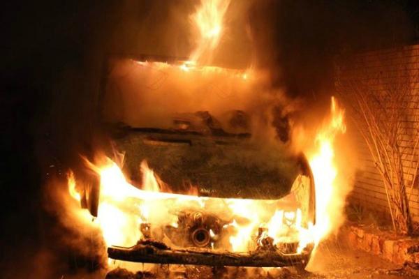 Что же это творится??? На Львовщине сожгли авто скандального СБУшника, от деталей мороз по коже