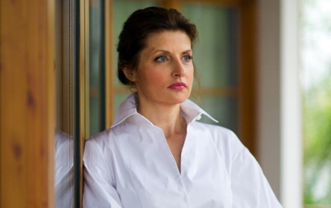 «На лабутенах»: Марина Порошенко ошеломила страну невероятно ярким нарядом, однако прическа подкачала. Только взгляните