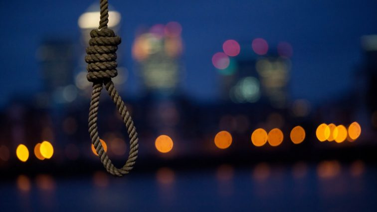 «Мама наказала, а затем …»: Жуткое самоубийство 15-летней девушки-отличницы всколыхнуло всю область
