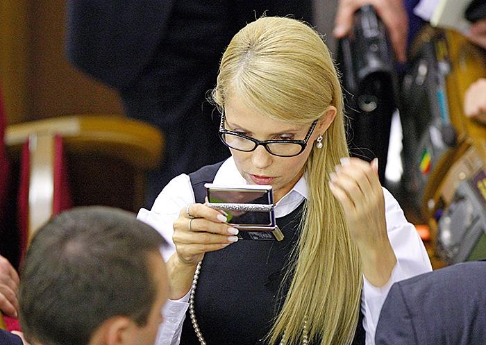 Такое лучше утром не видать! Юлю Тимошенко застукали за неожиданным занятием, вы только посмотрите на нее (Видео)
