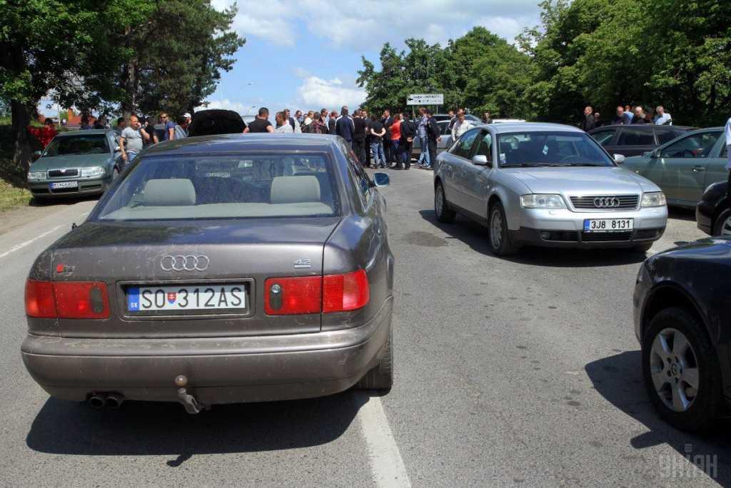 «500-700 долларов за ввоз…»: Шокирующая информация об авто на «еврономерах». Что же это будет?