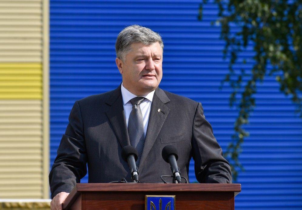 «Лучше бы он молчал»: Порошенко выступил в Раде и сделал не одно громкое заявление. Депутаты аж рты открыли от этих слов
