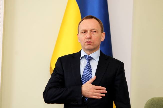«Он головой ударился?» Мэр Чернигова назвал «больными» и «не украинцами» тех, у кого в семье… Вы будете шокированы