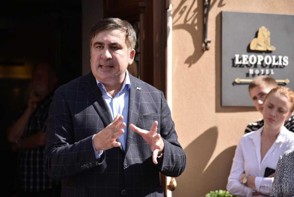 «За ним пришли…»: Что сейчас происходит в отеле, где находится Саакашвили. Такого вы точно не ожидали