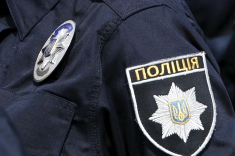 «Она не может ни говорить, ни …»: Патрульные в поле возле Борисполя нашли неожиданную находку. Полицейские были в шоке