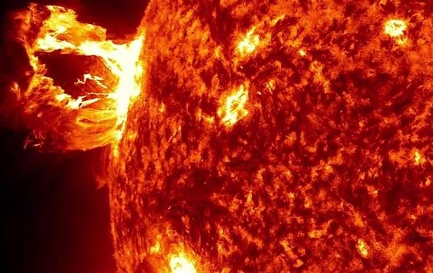ШОК!!! На солнце произошла масштабная вспышка, которой не было десятки лет, ученые предупреждают о катастрофических последствиях