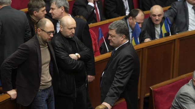 Сын Порошенко был минометчиком, а дочь Яценюка… Блогер рассказал о героических подвигах детей политиков. А вы знали?