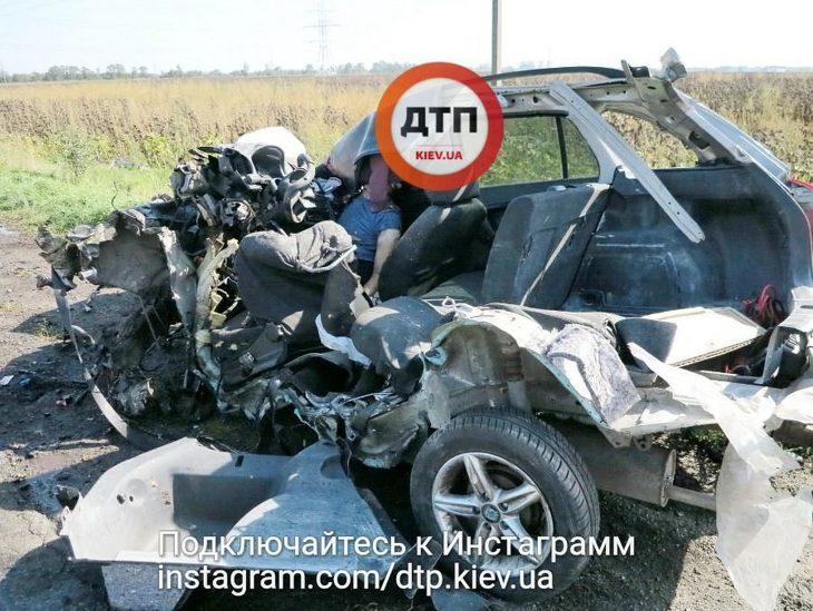 «Водителю оторвало голову…»: На спидометре стрелка замерла на 150 км\ч. Жуткие кадры с места ДТП (18+)