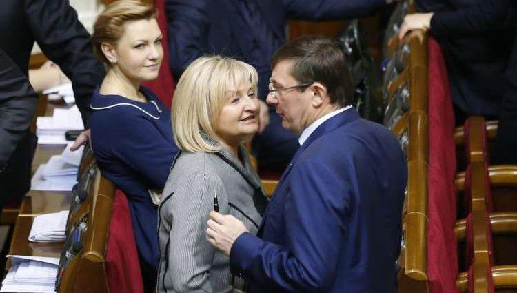 «И что-то представляю… очень хочу»: В Сеть попали интимные переписки женатых депутатов со сладкими подружками. Вы только посмотрите, кто из них там есть