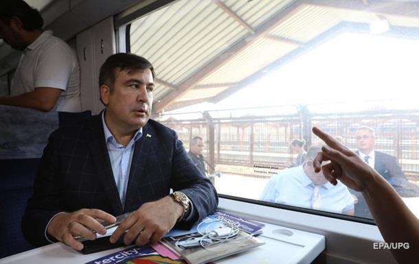 «Стоять будут уже два поезда…»: Депутаты прорвались в кабину машинистов поезда «Интерсити». Словесные перепалки перерастают…