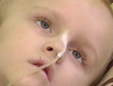 Помогите спасти маленького Стаса, из-за жестокости родителей мальчик в тяжелом состоянии