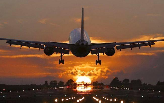 «Ударился об землю, а потом …»: В аэропорту, прямо на взлетной полосе взорвался самолет. Детали шокируют