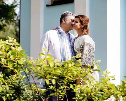 Эпопея продолжается: Марина Порошенко поразила скромным костюмом и невероятной природной красотой. Где же этот раз она отличилась?