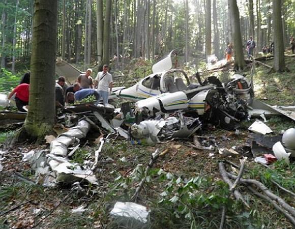 От самолета почти ничего не осталось: Украинцы погибли в ужасной авиакатастрофе. Детали шокируют