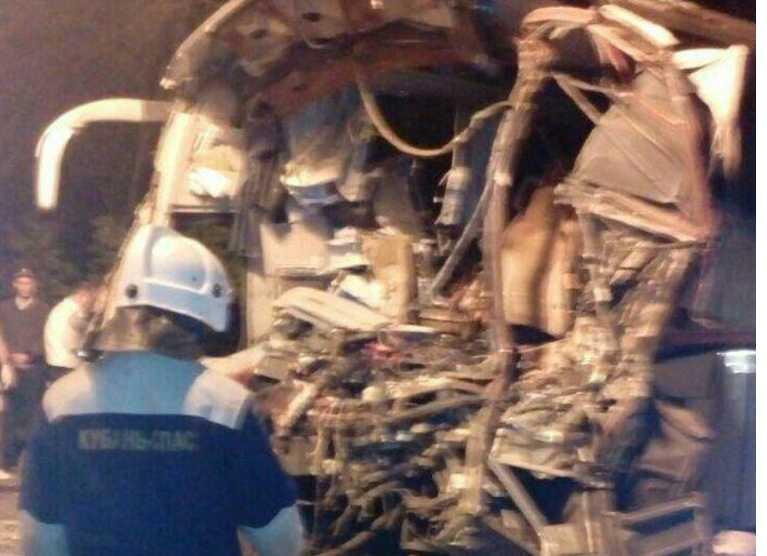 СРОЧНО! Автобус с паломниками «лоб в лоб» столкнулся с грузовиком, погибших трудно посчитать
