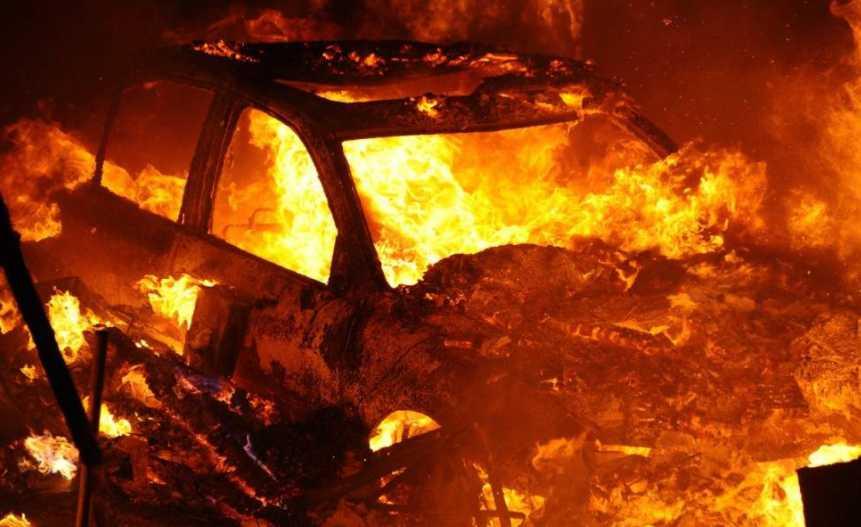 Страшная трагедия! Взорвали автомобиль известного депутата, подробности инцидента шокируют