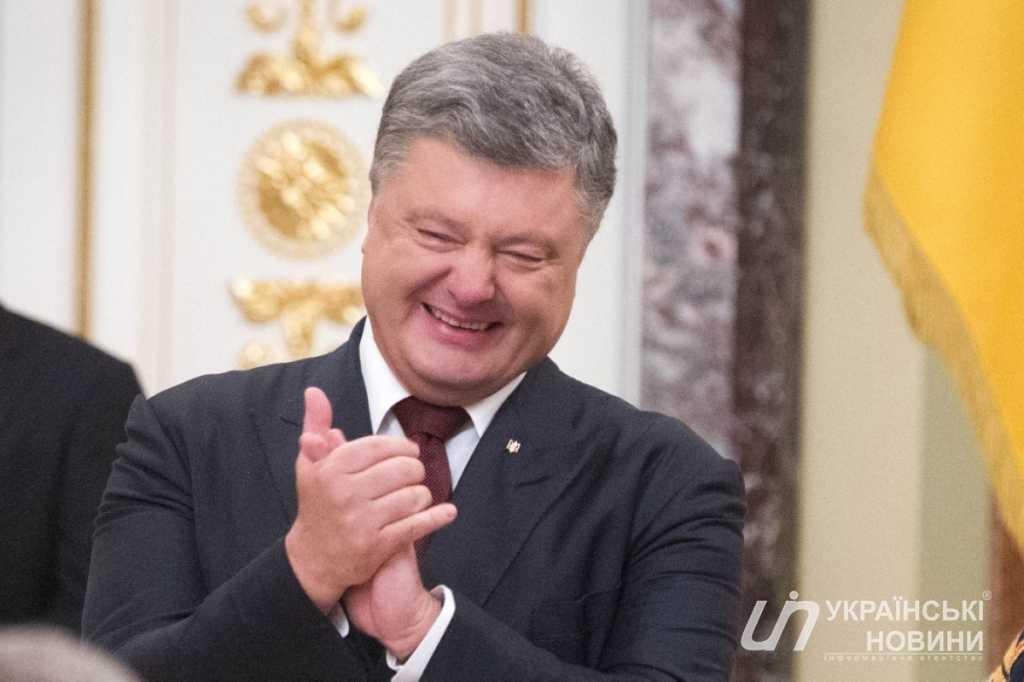 «Чтобы жена …»: Диаспора жестко обратилась к Порошенко по поводу дня рождения. Президент в шоке.