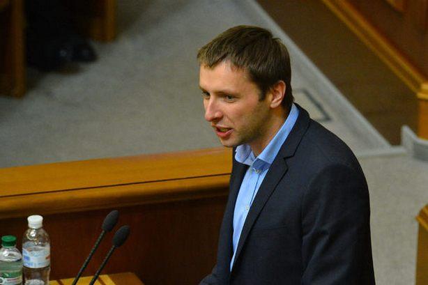 «Объявился и сразу такое сказанув»: Парасюк сделал громкое заявление в отношении президента и… Держитесь крепко на ногах