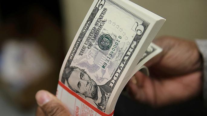 Наконец очухался! Сегодняшний курс валют стал неожиданностью, бегите в обменники пока не поздно