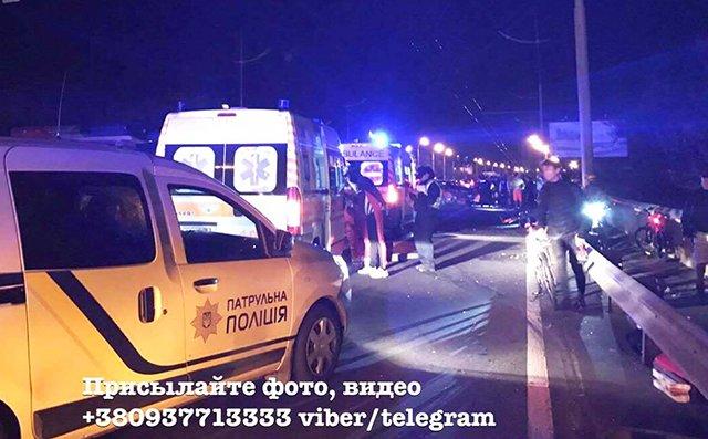 Разлетались во все стороны: в Киеве автомобилист, на скорости, влетел в колонну велосипедистов, там был настоящий ужас