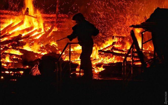 «Вынес 15 детей, а его руки …» История пожара в одесском лагере, которая доводит до слез. Парень просто …