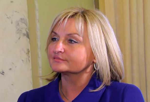 Она больна??? Ирина Луценко шокировала украинцев катастрофическим похудением в первый день работы Рады, а нардепка от «Самопочи» вообще пришла с голой грудью
