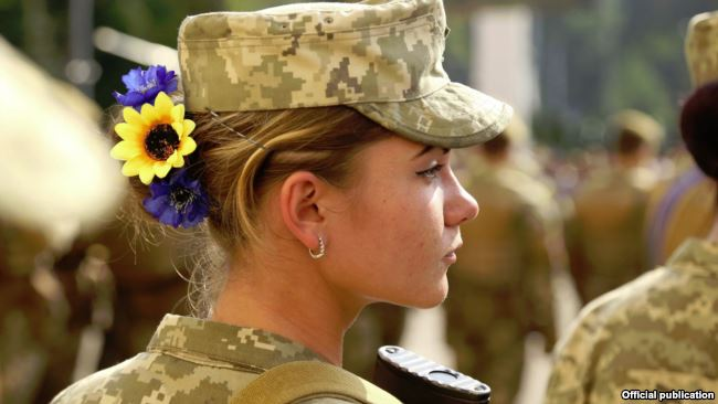 «Страх воплощен в жизнь»: Нижнее белье для украинских женщин-военнослужащих возмутила Сеть. Это издевательство?