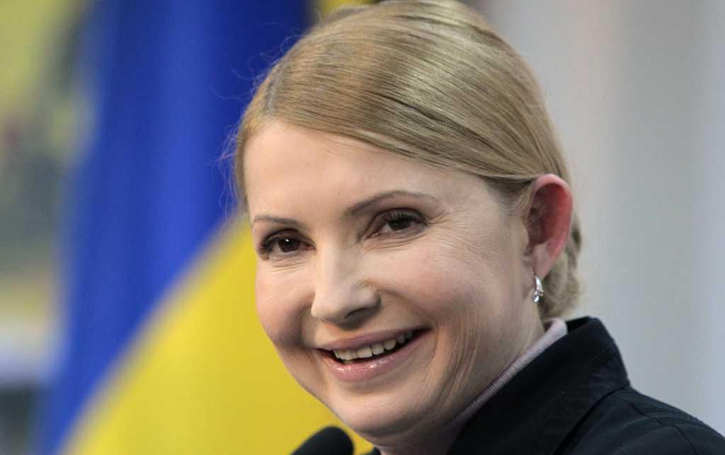 Еще руку поцеловали: В Сети появились шокирующие кадры как Тимошенко границу пересекала. Глаза уже на лбу от увиденного