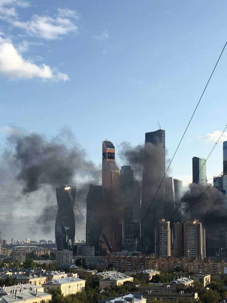 «У меня здесь МоскваСити горит»: Жуткий пожар всколыхнул Россию. Там творится настоящий кошмар!