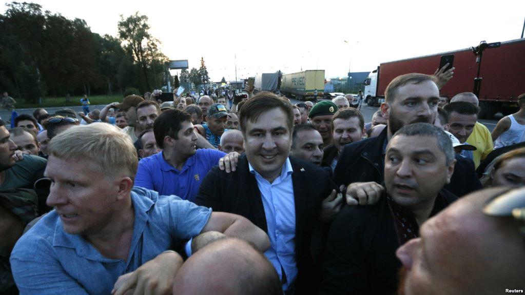 Этого не видел еще НИКТО! В Сети показали новые шокирующие кадры «прорыва» границы соратниками Саакашвили. Так вот что там было
