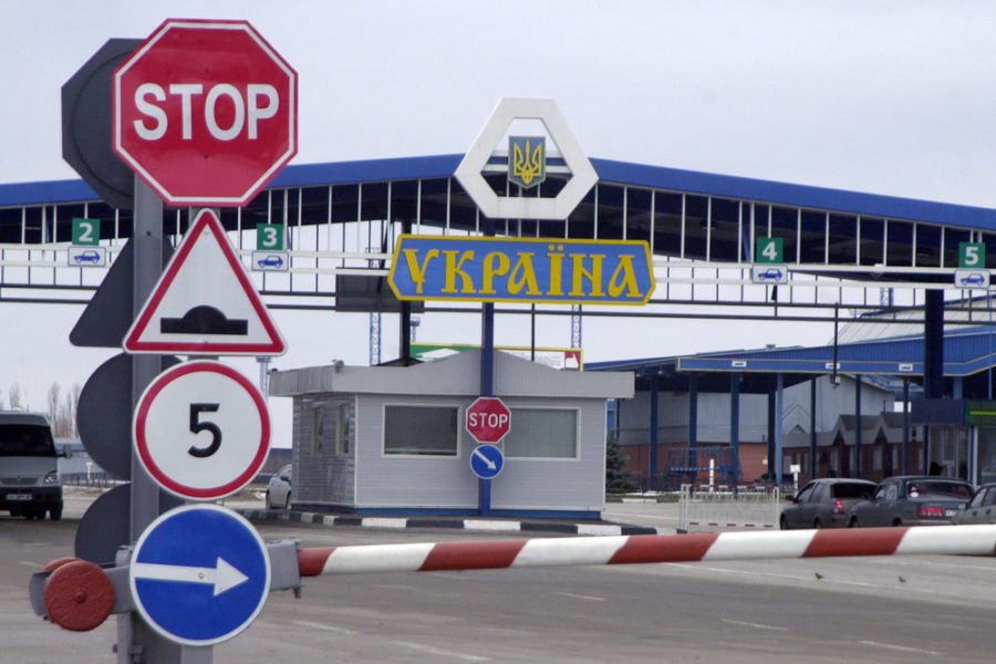 Границы с Польшей закрыты! Таких очередей не было за всю историю Украины (ФОТО)