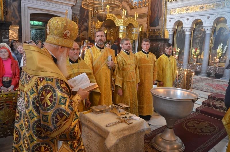 Сам Филарет крестил! Максакова показала фото с церемонии крещения сына. Вы упадете, узнав кто крестные родители